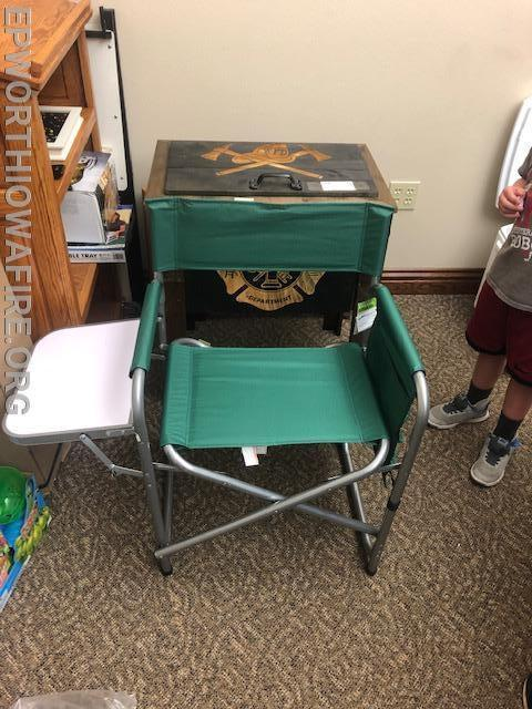 Sports Chair w/fold out table donated by Wertz's Gun's and Supplies Jim Wertzberger