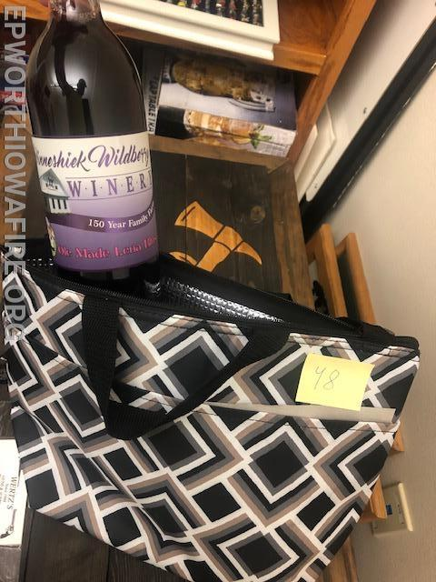 Wine and Cooler bag donated by Garry and Sue Gansen